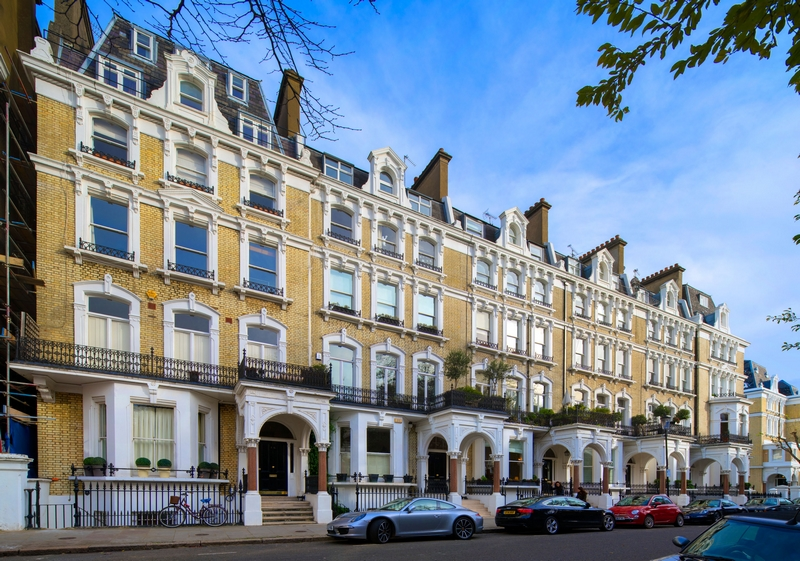 16 Redcliffe Square, Chelsea, SW10-