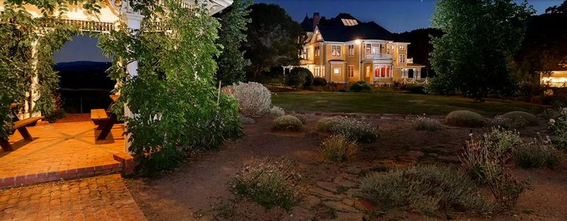 1,750-Acre Ranch in California's Mendocino County - ext