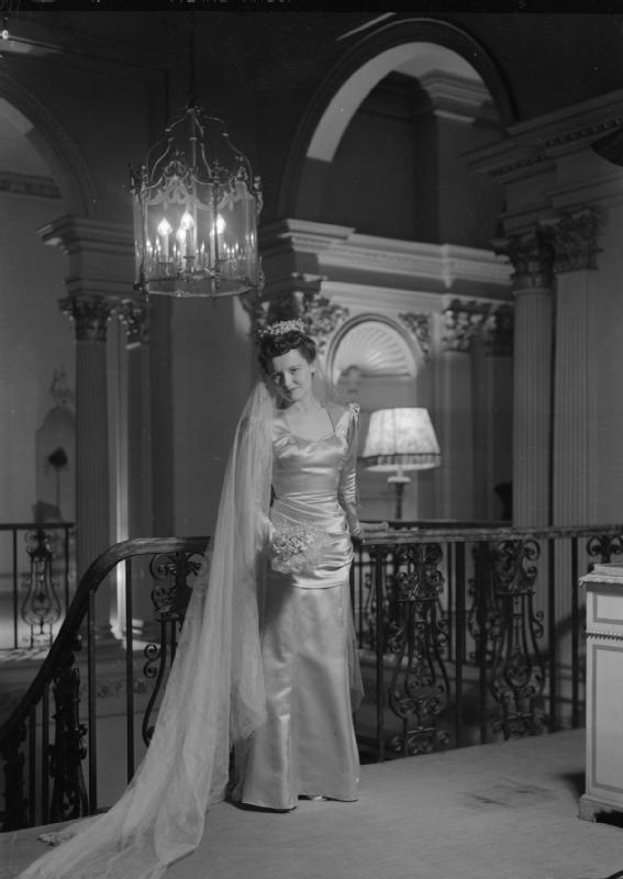 1945 Bianca Mosca wedding dress
