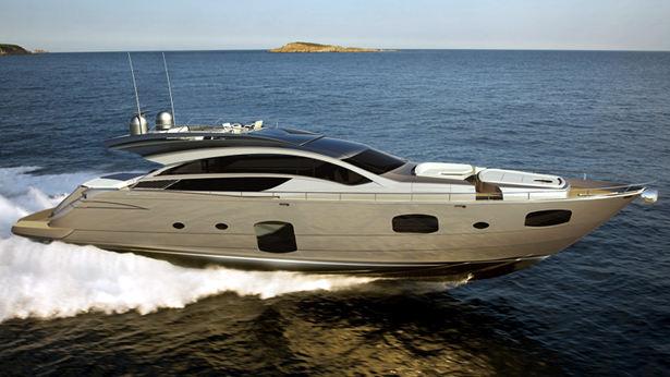 pershing-82-yacht