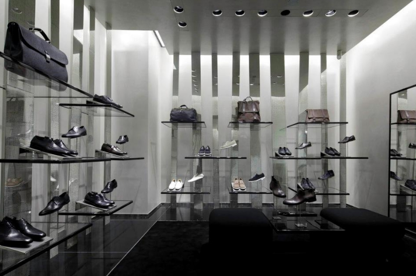 made to measure corner at the newly opened armani store in berlinluxury news best of luxury. Black Bedroom Furniture Sets. Home Design Ideas