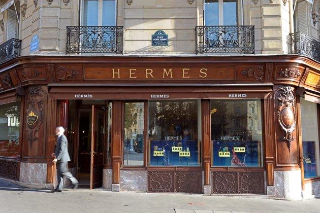 hermes store facade