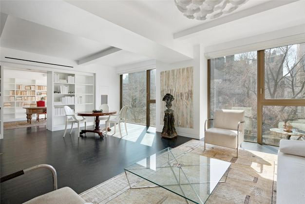 Karl lagerfeld 39 s new york 5 2m apartment returns on the for Gramercy park nyc apartments