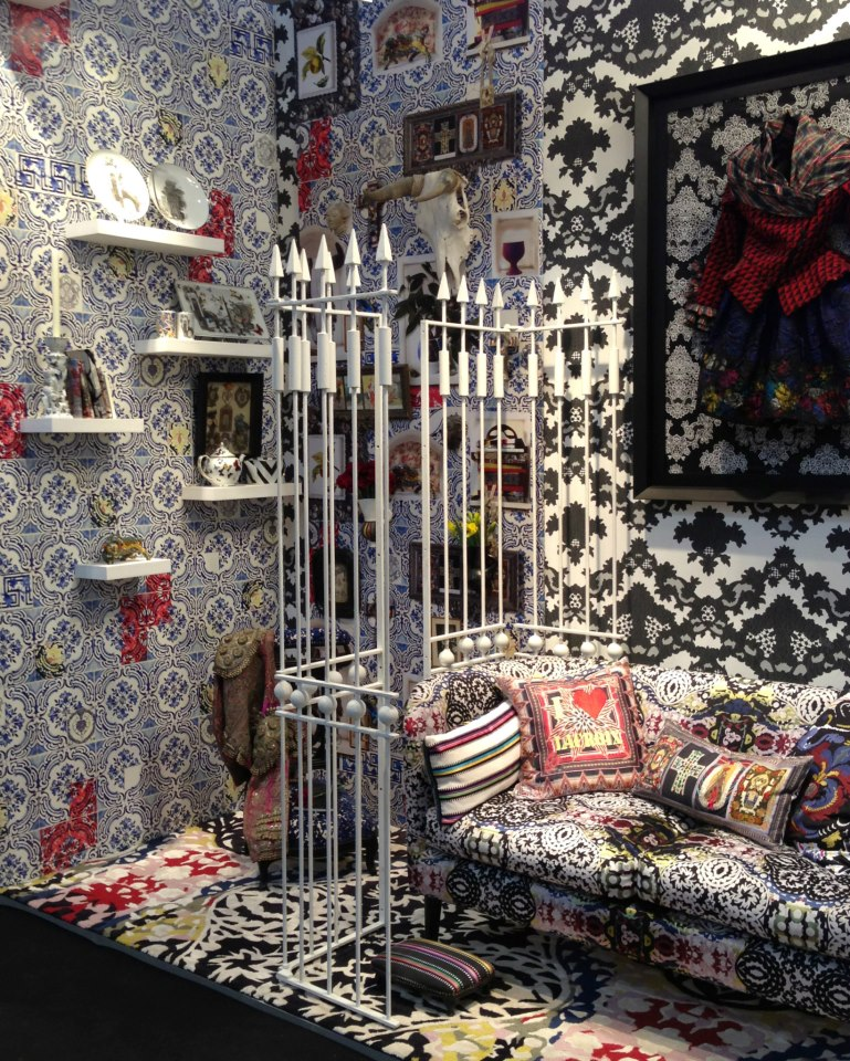 christian lacroix maison fine china collectionluxury news best of luxury interviews event. Black Bedroom Furniture Sets. Home Design Ideas