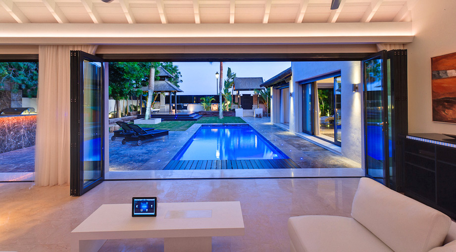 Smart home luxury trends for 2014 2luxury2 com for Smart home technology 2014