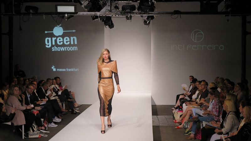 2016 Green Showroom-catwalk