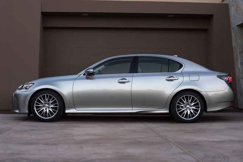 2016 Lexus GS 200t - side