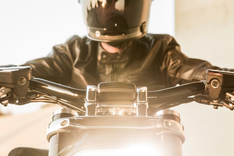 2016 ducati-xdiavel_by_roland_sands--2luxury2