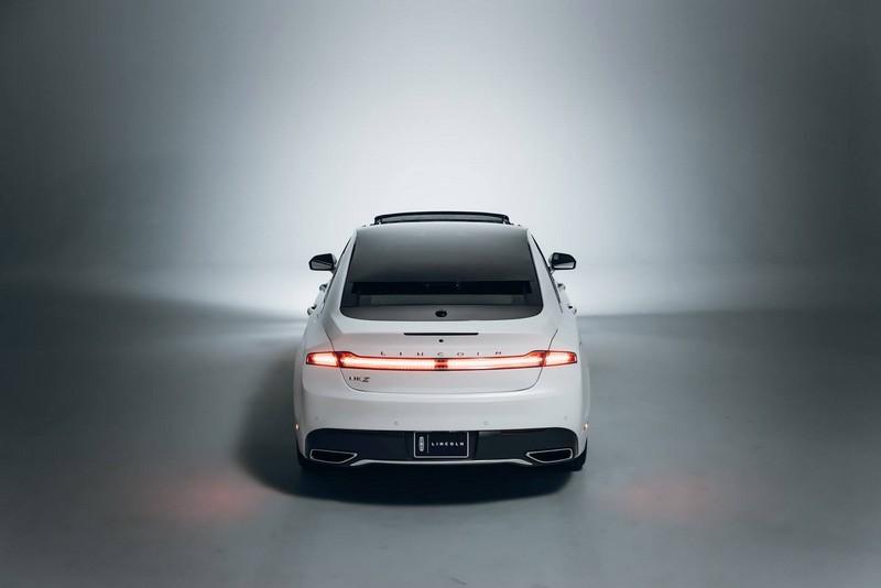 2017 Lincoln MKZ - -
