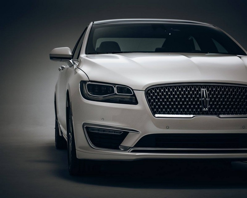 2017 Lincoln MKZ - powerful front 2
