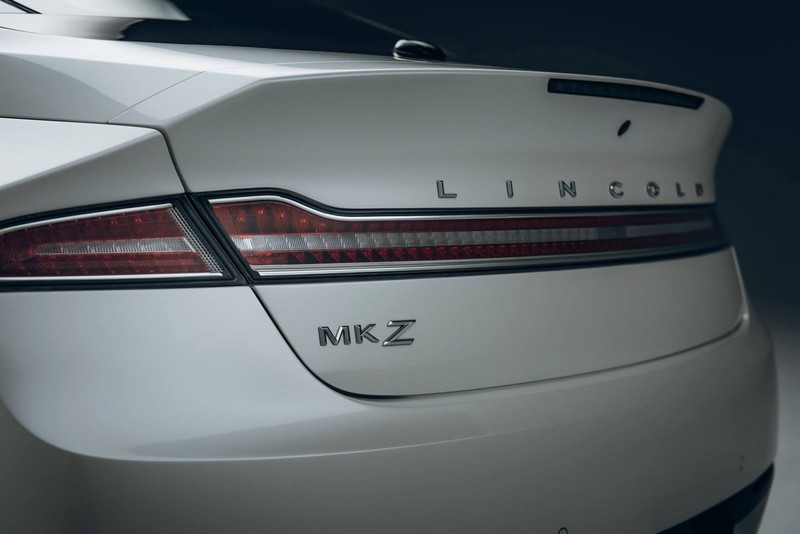 2017 Lincoln MKZ -  rear lamps