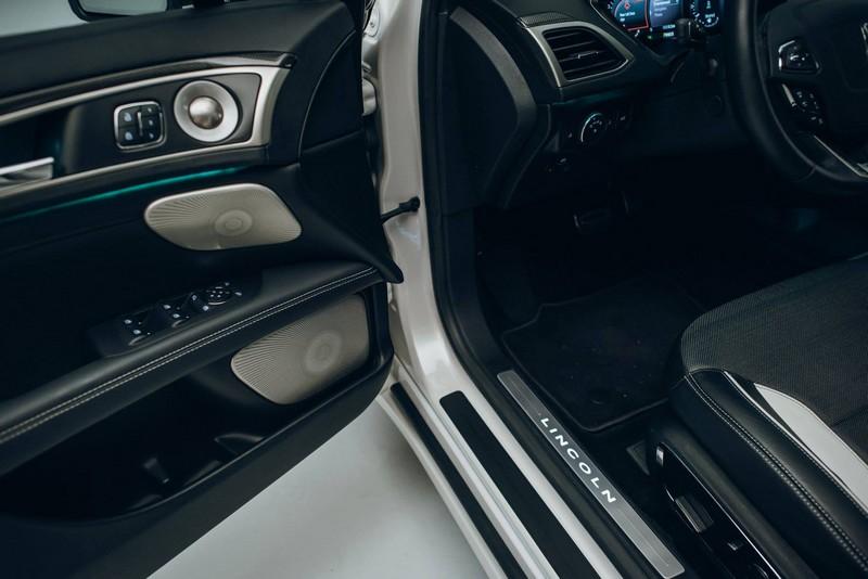 2017 Lincoln MKZ - the interior--