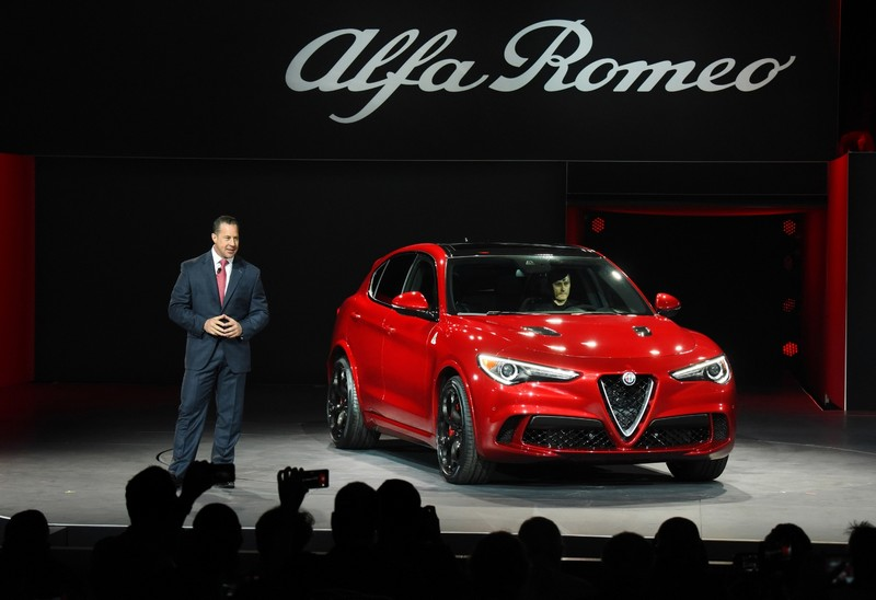 2018-alfa-romeo-stelvio-world-debut