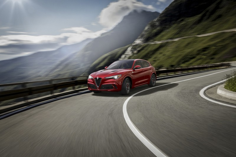 2018-alfa-romeo-stelvio-to-revealed-at-la-auto-show-2016