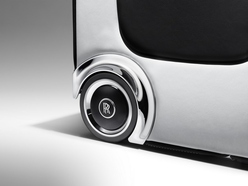 2Rolls-Royce Wraith Luggage Collection takes luggage to a new realm of luxury