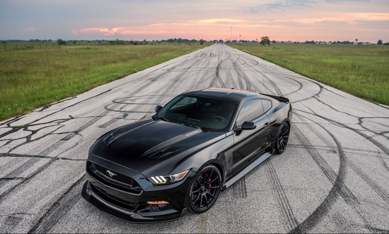 2luxury2 25th Anniversary Hennessey Mustang---
