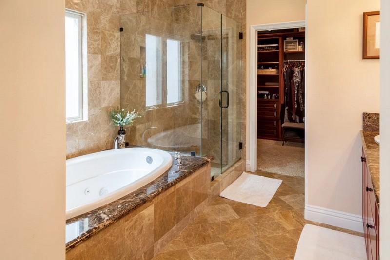 305 16th Street, Huntington Beach, CA - malakaisparks-A stunningly gorgeous beach house - bathroom