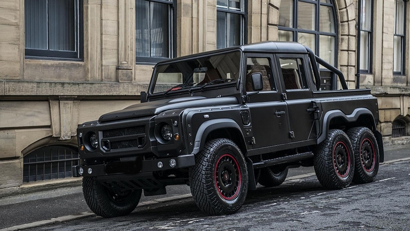 670 Hp Kahn Design Flying Huntsman 6x6 by Urban Warrior