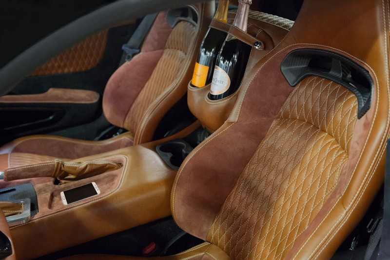 745-HP Force 1 V10 interior with champagne bottles