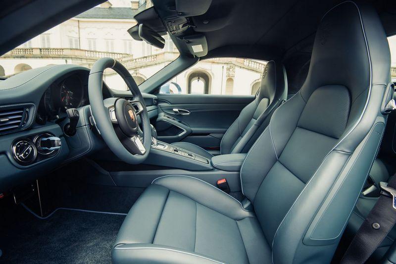 911 Targa 4S Exclusive Design Edition-interior