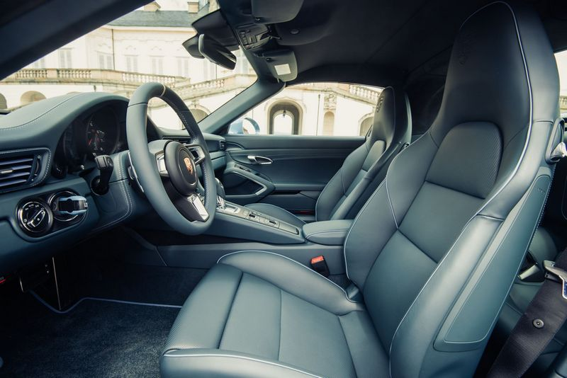 911 Targa 4S Exclusive Design Edition-interior