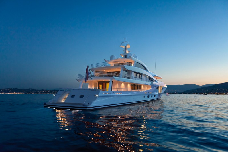AMELS 188 -57.70 meters yacht - by night