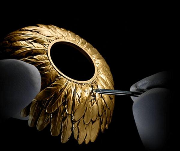 Alexander McQueen Parfum bottle gold feathers