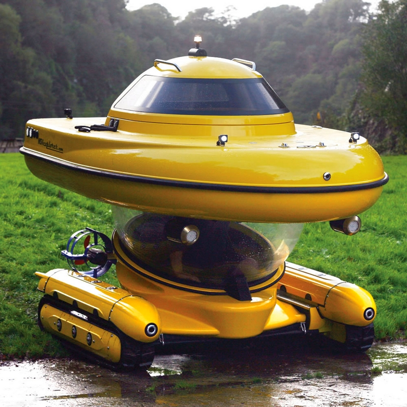 Amphibious Sub-Surface Watercraft on land