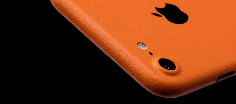 apples-latest-iphone-needs-the-latest-wraps-dbrand-iphone-7-skins