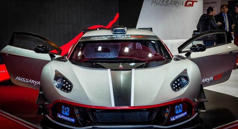 Arrinera Hussarya GT race car-