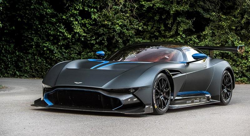 Aston Martin Vulcan pebblebeach