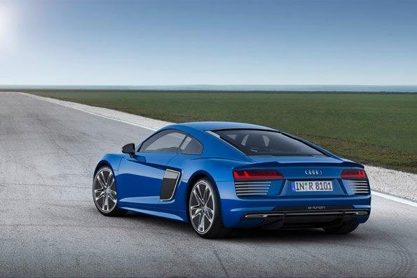 Audi R8 e-tron self pilot