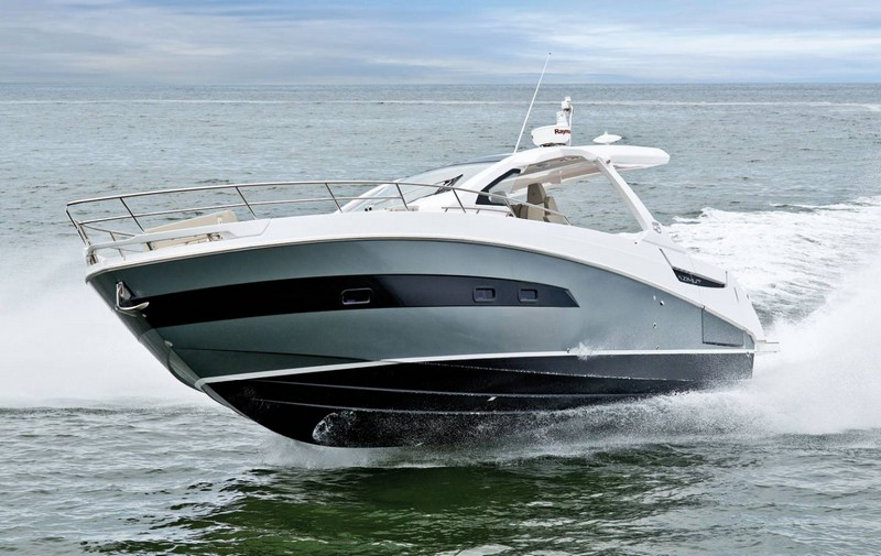 azimut-yachts-verve-40-world-premiere-at-2016-flibs