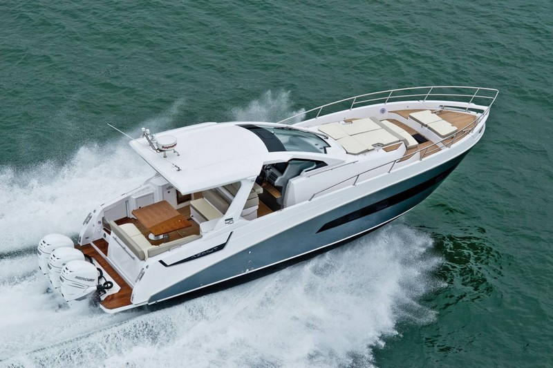 azimut-yachts-verve-40-world-premiere-at-2016-flibs-ext