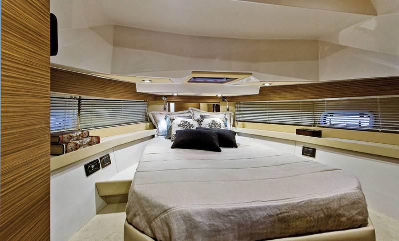 azimut-yachts-verve-40-world-premiere-at-2016-flibs-int