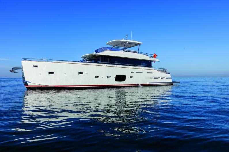 Azimut Yachts's fleet -Azimut 76magellano--