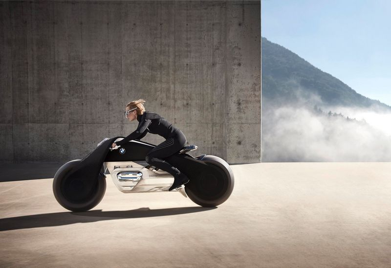 bmw-motorrad-vision-next-100-a-vision-of-biking-in-a-connected-world
