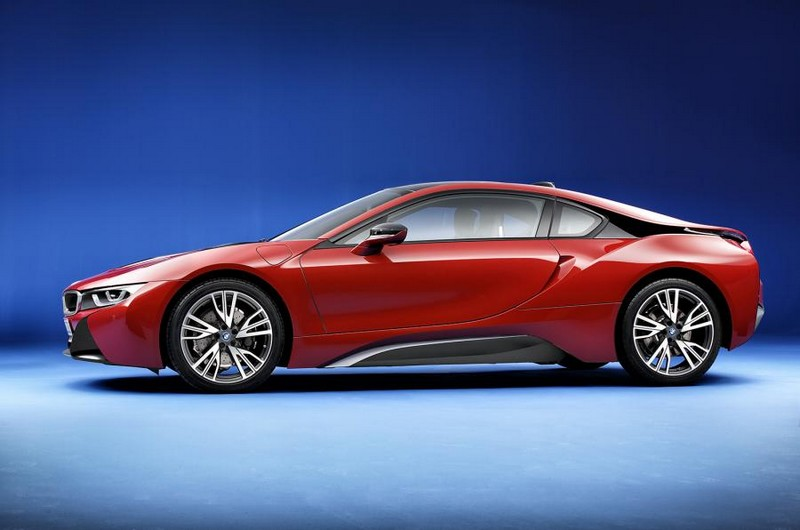 BMW i8 Protonic Red edition-