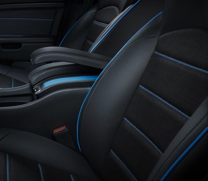 bamford-x-bentley-mulliner-mulsanne-speed-seat-and-armrest