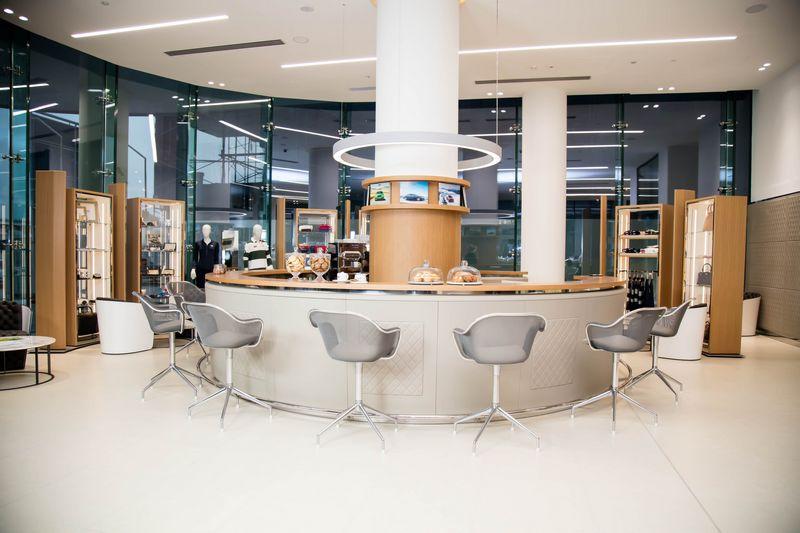 Bentley Motors opens its largest showroom in the world in Dubai-2016-2luxury2-com
