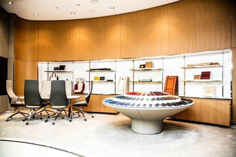 Bentley Motors opens its largest showroom in the world in Dubai-2016-2luxury2com