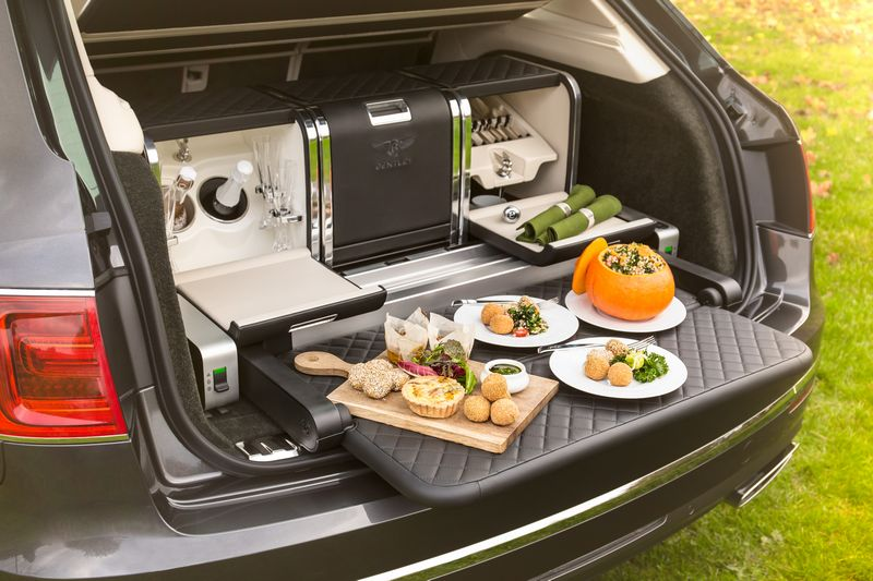 bentley-creates-luxurious-seasonal-picnic-hamper-for-linley-hamper-by-mulliner-01