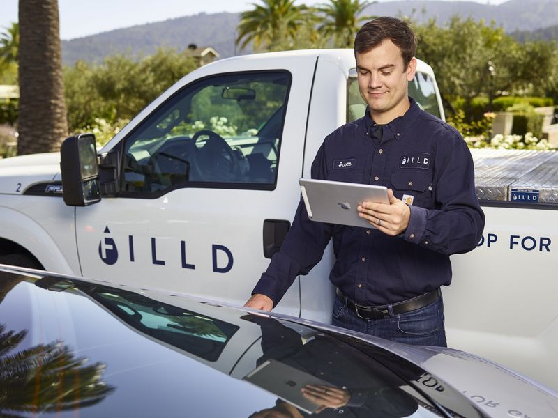 bentley-trials-on-demand-fuel-delivery-service