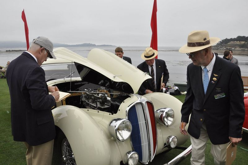 Best of Show at 66th Pebble Beach Concours d'Elegance-juddging