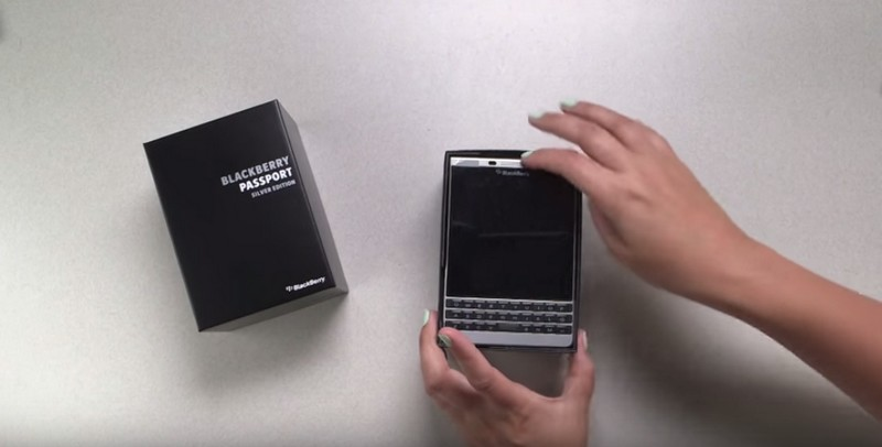 BlackBerry Passport Silver Edition-201