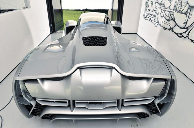 Blade supercar
