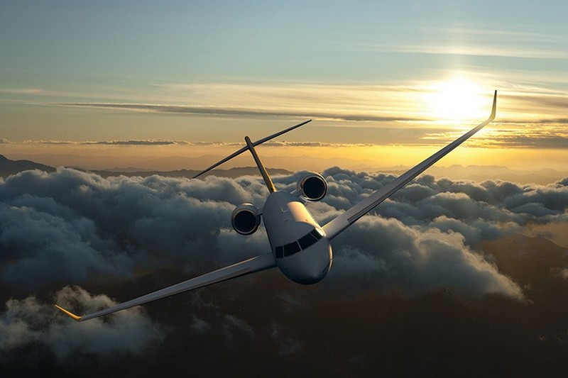 Bombardier Global 7000 Luxury Jet in the sky