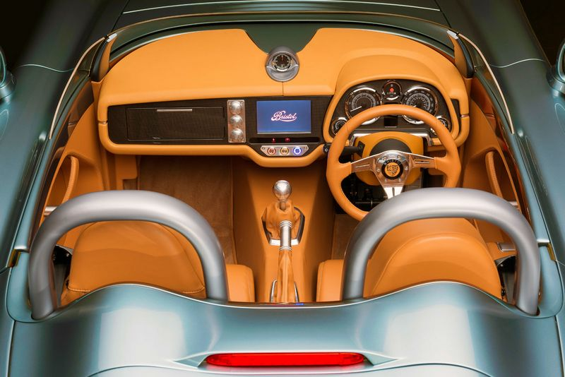 Bristol Cars has unveiled its first new model since resurrection - 2016 Bristol Bullet roadster-int