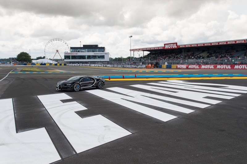 Bugatti Chiron celebrates its debut in France at the 24 Hours of Le Mans 2016-2luxury3