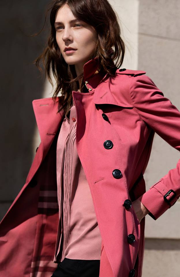 burberry-trench-coats-on-the-streets-of-london